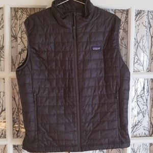Patagonia Men's Black Quilted Nano Puff Vest (L)